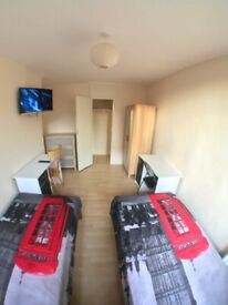 ~~~~ Lovely Twin Room with Tv in Roehampton (All Bill + Netflix Incl)