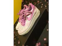 Size 5 Nike flyknit Air Force