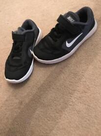 Boys Nike Black trainers size 9.5