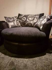 Nearly new spinning sofa chair