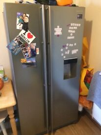 Samsung American Fridge Freezer with water dispenser (perfect condition)