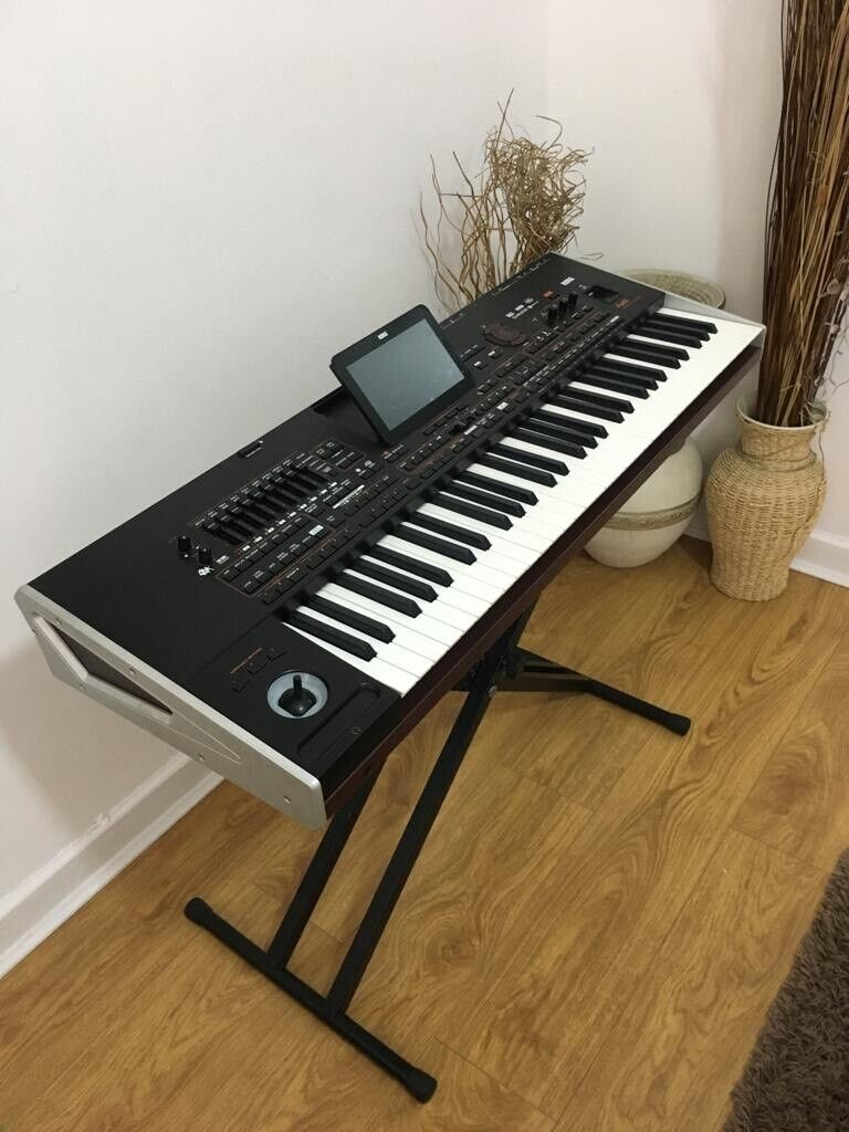 Korg Pa4x with 2 Speakers | in Salford, Manchester | Gumtree
