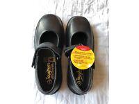 Toughees girls Black school shoes size 6/ EU 39 BNIB