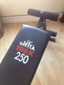 YORK 250 Sit-Up Bench
