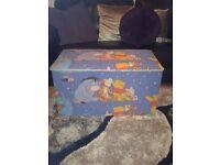 Toy box winnie the pooh