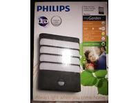 Brand New - Philips Garden Outdoor Light