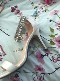 Brand new in box wedding/prom shoes size 6.5