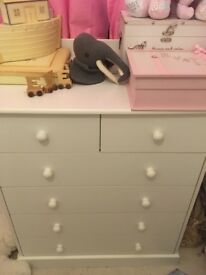 White draws with changing table top