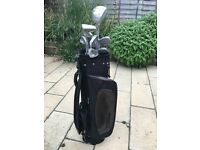 Set of Vantage Women's Golf Clubs in Wilson Bag
