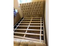 Crushed velvet double bed brand new