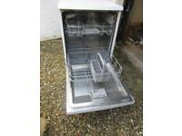 Bosch Dishwasher Type SL6P18. 60cm wide 60cm deep 66cm h E Nr SMS40T32UK/01 Very good condition -