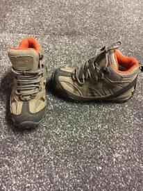 Regatta Outdoor Kids Boots size uk11/eu30