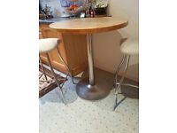 Bar/Breakfast table and two stools