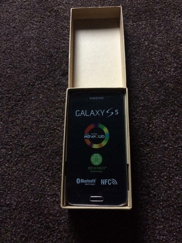 SAMSUNG GALAXY S5. BLACK UNLOCKED. WARRANTY AND RECEIPT PROVIDEDin Walthamstow, LondonGumtree - SAMSUNG GALAXY S5 16GB BLACK BOXED WITH ALL ACCESSORIES. WARRANTY AND RECEIPT FROM MY SHOP AS NEW CONDITION SAMSUNG S5 NO VISIBLE MARKS OR DAMAGE. BEING SOLD AS NEW OTHER BUT IS AS NEW CONDITION ALL ROUND WITH ALL NEW ACCESSORIES. ALL PHONES WILL BE...