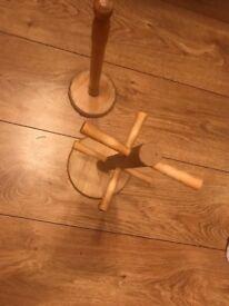 Mug stand and kitchen roll holder