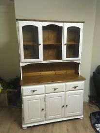 White shabby chic unit