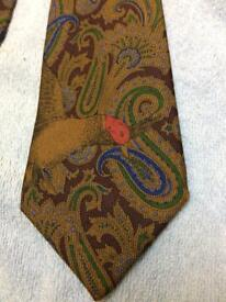 Luxurious Vintage Gieves & Hawkes 100% Silk Tie Multi coloured. VGC