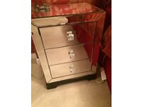 Mirrored bedside cabinet with three drawers