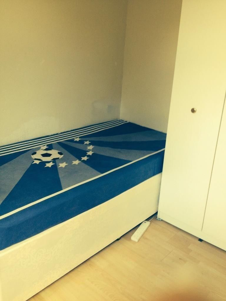 Single room available sharing Indians - Upton Park