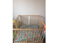 Play pen Medium size