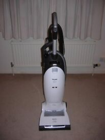 Miele upright vac Dynamic U1 Allergy Plus Power, 1500 watts, top of the range, under 3 years old