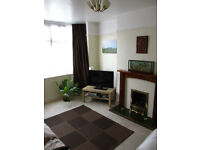 Double Room in Shared House (Mon-Fri Let only) £375pcm Including Bills