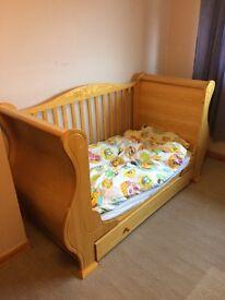 Tutti Bambini Louis sleigh cot bed