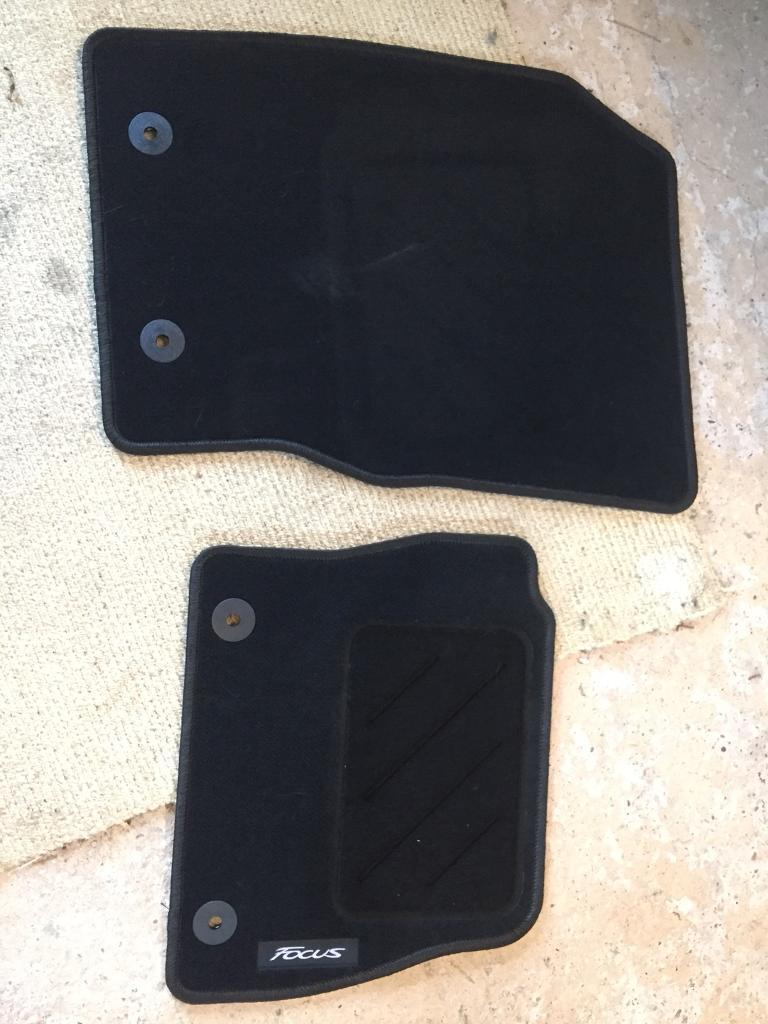 Ford Focus front mats