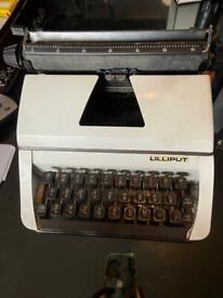 VINTAGE LILLIPUT TYPEWRITER JUNIOR Small 1970's