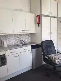 First Floor Studio Flat, open plan with own shower room, convenient location in Cotham