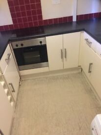 Used kitchen units for sale white glooss. Collection from woodford.07581489505