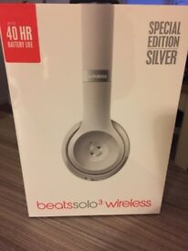 Brand New Sealed Solo3 Beats Headphones -Silver