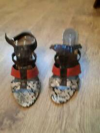 Ladies Sandals Size 7
