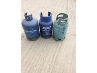 3x gas bottles, 13 and 15 kg bottles