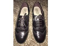 Womens size 7 wide fit maroon patent shoes
