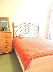 SINGLE ROOM TO LET IN LEE CHAPEL NORTH, BASILDON WITH SUPER FAST BROADBAND