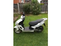 125cc matrix white sinnis 65 plate 7916 miles spares and repairs open to offers