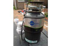 Food waste disposal unit