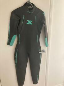Women's Xterra Vortex wetsuit Med/ LG