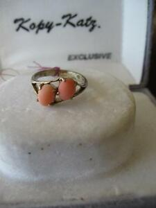 ...An ADORABLE PIECE of COSTUME JEWELLERY.[60s]...LADYS RING...