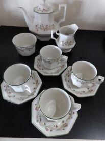 Eternal Beau-Tea set- 2 pint Teapot-teacups saucers and tea plates