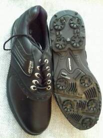 New Dunlop Leather Golf Shoes, Size 8. Never worn.