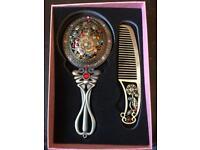 Pretty Decorative Comb&Mirror Set