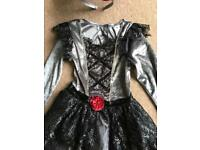 Halloween fancy dress girls bride of Dracula outfit