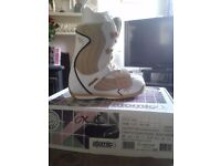 Atomic ivory snowboarding boots brand new in box uk sizes 5.5 and 2 x 6.5