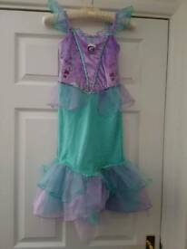 Immaculate hardly worn Disney dresses 5/6 year old.