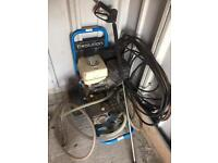 Evolution pressure washer, 4000psi, dual pump with Honda engine. 250l water butt included