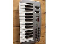 M audio midi keyboard Oxgyen 8 2/2