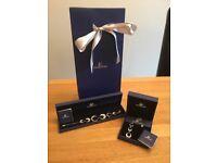 Swarovski necklace and bracelet set