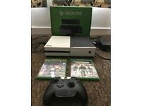 Xbox One 500GB console (white carbon fibre skin) +2 games and a controller